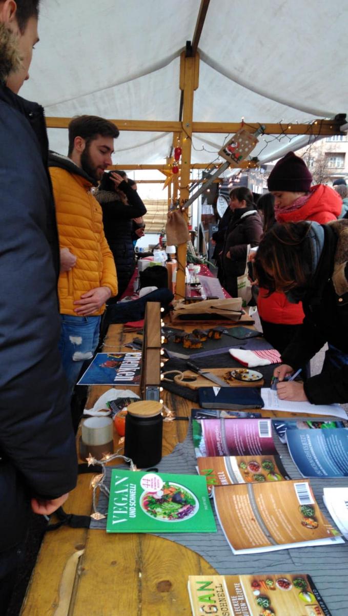 Impressionen Veganer Weihnachtsmarkt 2018, Berlin Winterfeldtplatz